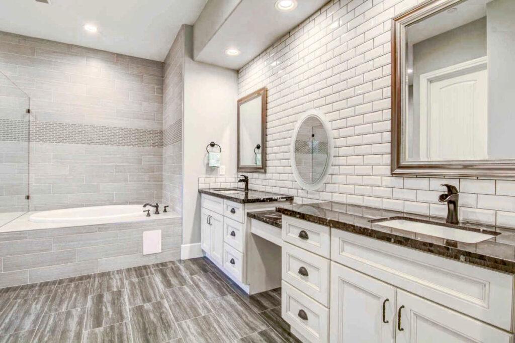 Jak zaoszczędzić na remoncie łazienki?