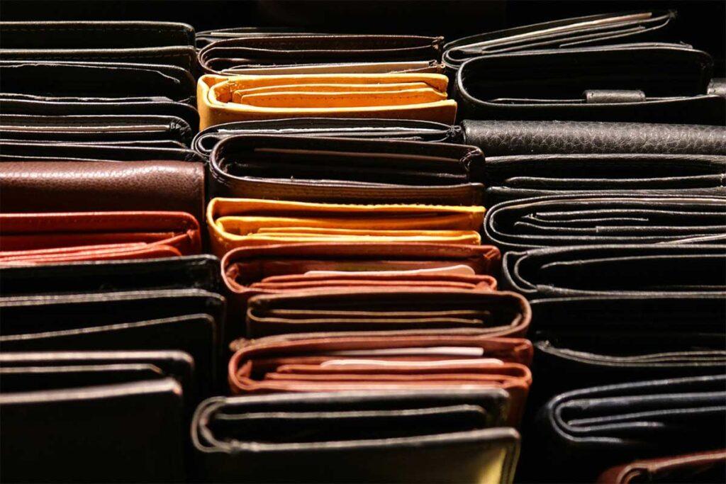 Stylowe portfele skórzane